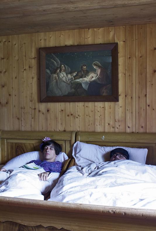 Herr & Frau Meise, schlafend