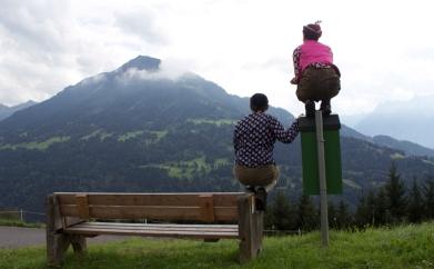 Herr & Frau Meise hoch über Thüringerberg
